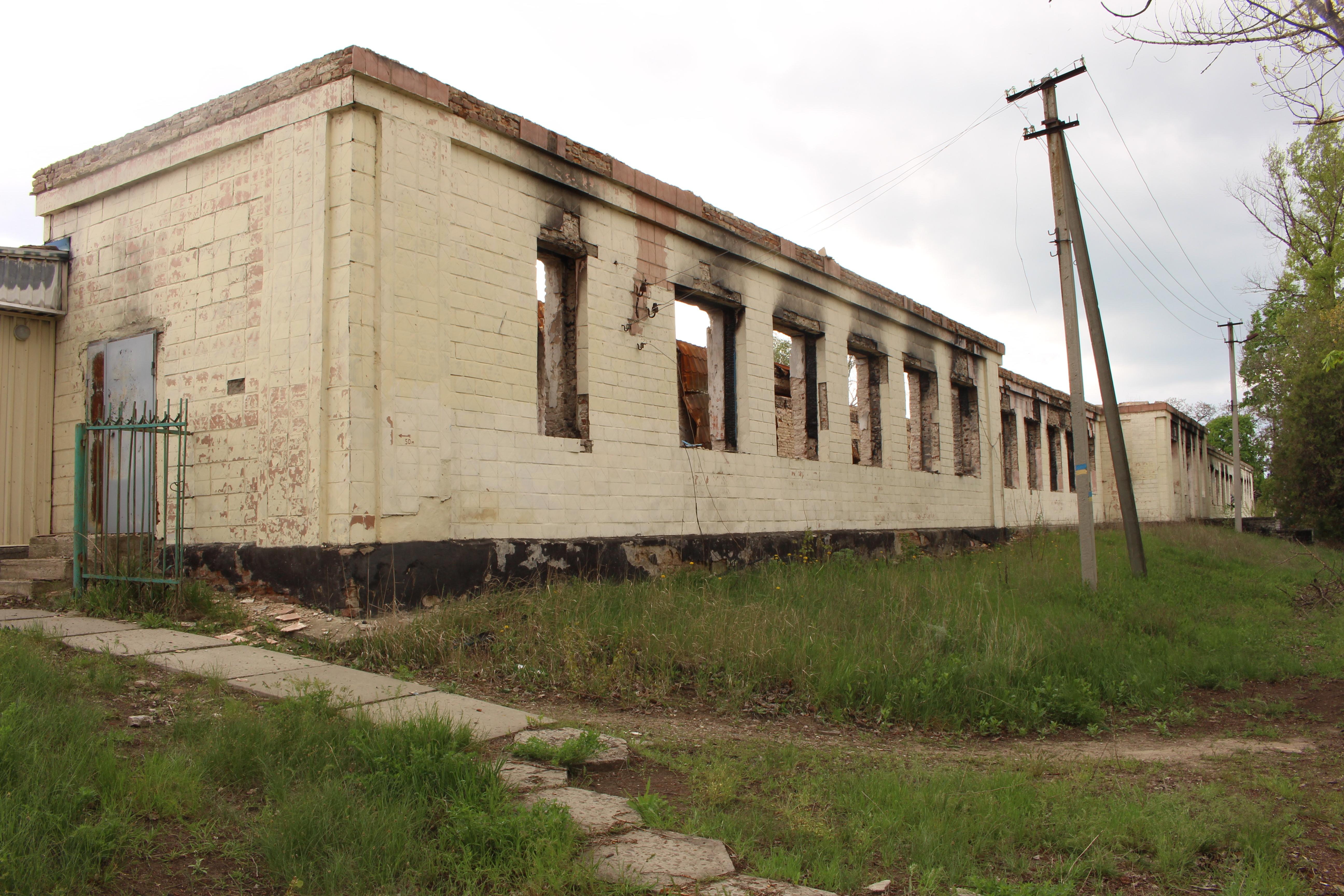 Shchastya school destroyed by the bombings 26.04.2016 Luc Maffre