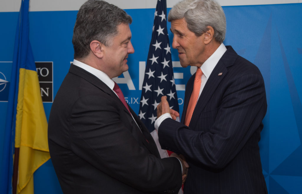 Secretary Kerry Holds Bilateral Meeting With Ukrainian President Poroshenko at NATO Summit in Wales 15138223502