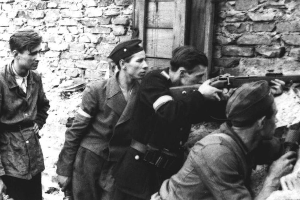 Warsaw Uprising - Four on a barricade