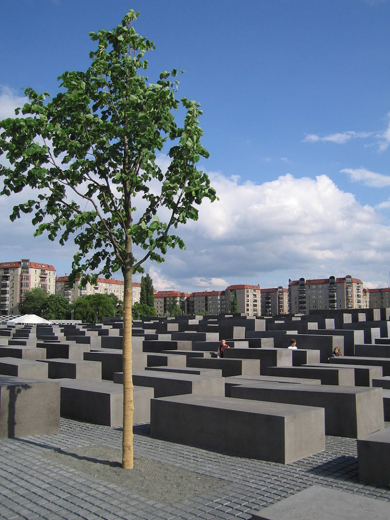 Yiddish-German: from Central Europe to the Holocaust and