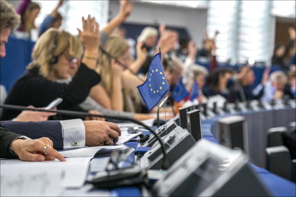 In Between Europe #23 Visegrad and growth in Europe - New Eastern Europe