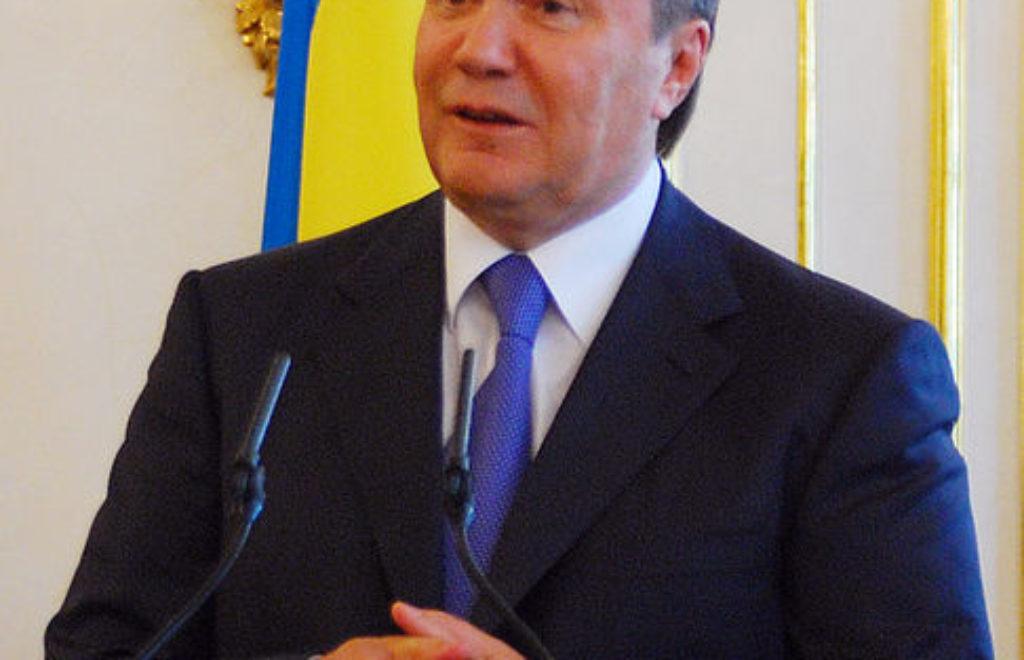 486px-Viktor_Yanukovych_2011.jpg