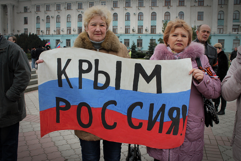 Crimea votes to join Russia, Obama orders sanctions