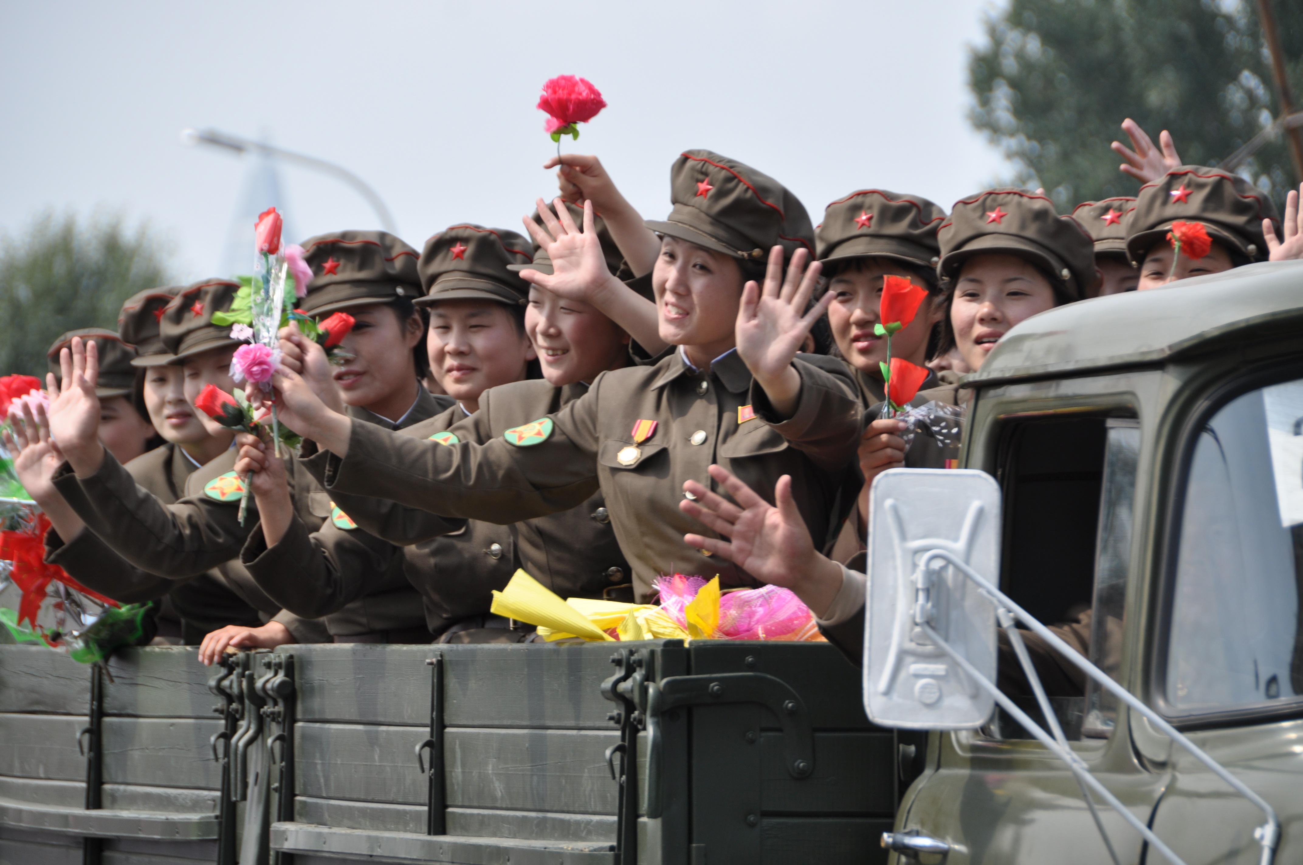 Female soldiers in North Korea military parade 15452372509